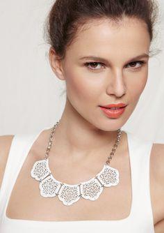 Yochi Filigree Design Necklace