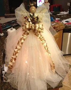 Make a tulle angel out of a tomato cage. Super fun and easy project, however, takes patience and MANY hours. Christmas Angels, All Things Christmas, Christmas Holidays, Christmas Wreaths, Christmas Decorations, Christmas Ornaments, Tomatoe Cage Christmas Tree, Angel Ornaments, Birthday Decorations