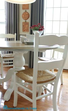 white kitchen table makeover-this is giving me an idea for redoing my oak round table.
