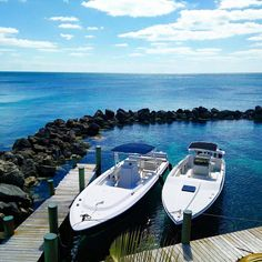 Book your Bahamas Fishing or Adventure tour with us and see the Bahamas in a whole new way Fishing Uk, Fishing Guide, Deep Sea Fishing, Fishing Girls, Sport Fishing, Going Fishing, Best Fishing, Kayak Fishing, Fishing Boats