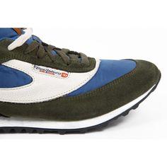 Multi Color 40 EUR - 7.5 US Diesel mens sneakers SHARKEROZ Y01110 PR633 H5578. size: 40 EUR - 7.5 US.Condition : This item is brand new