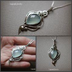 Esipenok Jewelry : Sterling silver pendant with chalcedony. Cute Jewelry, Modern Jewelry, Jewelry Sets, Silver Jewelry, Vintage Jewelry, Contemporary Jewellery, Silver Earrings, Wire Jewelry Patterns, Art Nouveau