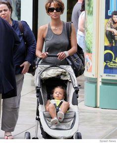 14 Celebrity Strollers | Parenting