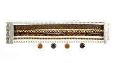 Pour réaliser son bracelet ″Panthère″, on choisit une harmonie de couleur. Un peu de colle dans un fermoir magnétique, c'est très facile !! #bijoux #LaDroguerie