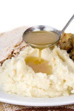 Giblet Gravy Recipe, Turkey Giblet Gravy, Best Turkey Gravy, Beef Gravy, Healthy Mashed Potatoes, Homemade Mashed Potatoes, Mashed Potato Recipes, Thanksgiving Turkey, Kitchens