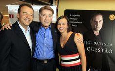 Sergio Cabral e Adriana Ancelmo em lancamento de livro do empresario Eike Batista, na Livraria da Travessa do Shopping Leblon, em 5 dezembro de 2011