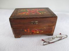 Jewelry Box Vintage Mid Century Hand Painted Floral by HobbitHouse