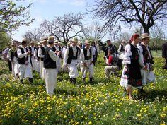 TUDOR PHOTO BLOG: Udatoriul de la Surdesti - Sarbatoare la Sisesti,Maramures,Romania Tudor, Country, Blog, Dresses, Fashion, Vestidos, Moda, Rural Area, Fashion Styles