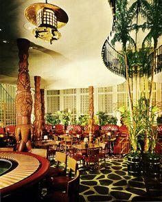 Fabulous Tiki Lounge - location unknown and alas probably long gone and forgotten, but what a picture! Kitsch, Tiki Art, Tiki Tiki, Tiki Hawaii, Tiki Bar Decor, Tiki Lounge, Vintage Tiki, Tropical, Tiki Room