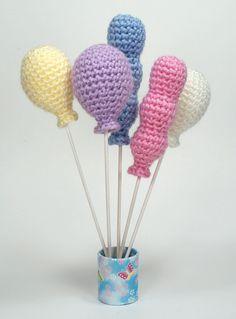 Make It: Crochet Balloons - Free Pattern #crochet #amigurumi #free #ravelry