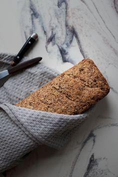Raskt restebrød m. rug, spelt & hampfrø — Happy food stories