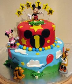 mickey mouse round birthday cakes   ... birthday cake with Mickey Mouse on top along with Minnie Mouse Pluto