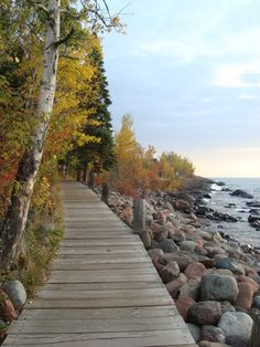 The Lake Walk at Bluefin is one of my favorite parts about this place! #MSPDestination