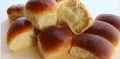 Home made Milk Bread (Very soft and easy) Homemade Hamburger Buns, Homemade Hamburgers, Turkish Flat Bread, Bread Recipes, Baking Recipes, Guacamole Chicken, Latin American Food, Pan Bread, Fresh Bread