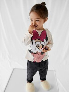 Korean Outfits, Kids Outfits, Cute Outfits, Cute Little Baby, Pretty Baby, Baby Girl Fashion, Fashion Kids, Foster Baby, Cute Baby Wallpaper