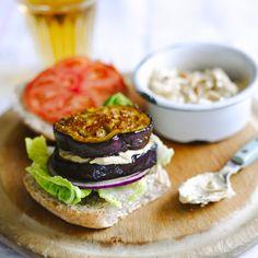 Aubergine-hummusburger