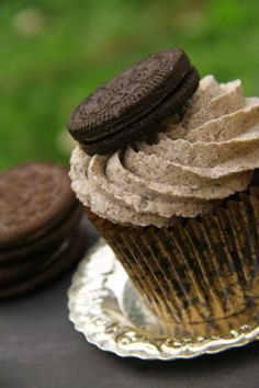 Oreo Cupcake - For Cup's Cake New Zealand Oreo Cupcakes, Desserts, Food, Tailgate Desserts, Deserts, Essen, Postres, Meals, Dessert
