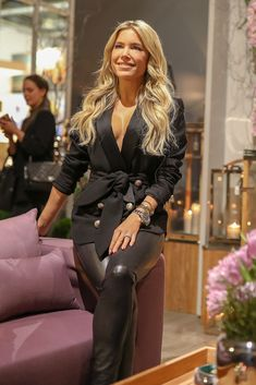 Sylvie Meis Sexy Sylvie in hot black leather on net. Leather Jeans, Black Leather, Most Beautiful Women, Beautiful People, Blonde Fashion, Fetish Fashion, Confident Woman, Celebs, Celebrities