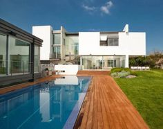 Two modern minimalist homes in Ramat Gan by Dror Barda, one is the guest home - CAANdesign | Architecture and home design blog