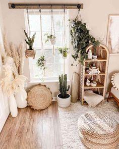 Best Instagram Accounts for Boho Lovers Cute Bedroom Decor, Small Room Bedroom, Room Ideas Bedroom, Small Rooms, Couple Bedroom, Bedroom Inspo, Dorm Room Themes, Teen Bedroom, Boho Room
