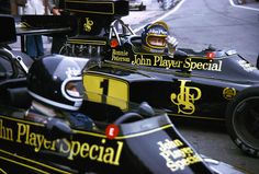 Best-dressed F1 team. Ickx, nearest, and Peterson.