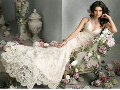 Enjoy this post of Bridal gowns vera wang! Today my post is unfolding simple, elegant and stylish Bridal gowns vera wang We have a great selection Lace Wedding Dress, Gorgeous Wedding Dress, Wedding Gowns, Dream Wedding, Wedding Speeches, Ivory Wedding, Bella Wedding, Perfect Wedding, Summer Wedding