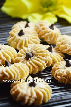 Diah Didi's Kitchen: Sagu Keju Biscuit Cookies, Yummy Cookies, Cookie Dough, Cake Cookies, Indonesian Desserts, Indonesian Food, Asian Snacks, Asian Desserts, Diah Didi Kitchen