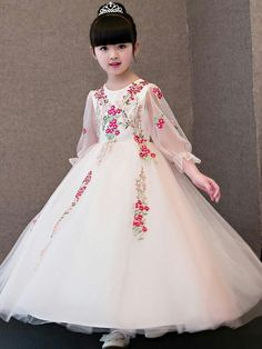 Embroidery Sequined Mesh Round Collar Seven-Tenths Sleeves Long Dress Little Girl Gowns, Gowns For Girls, Dresses Kids Girl, Kids Outfits, Flower Girl Dresses, Really Pretty Girl, Kids Dress Patterns, Kids Gown, Kids Frocks