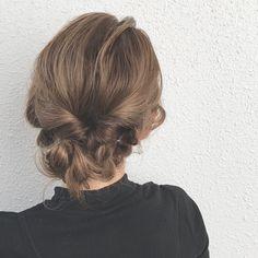 秋は愛されヘアで♡3分でできる大人のゆるふわアレンジ10選 - LOCARI(ロカリ)