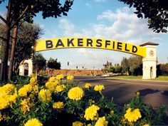 Lived in Bakersfield, CA when I was younger - you could actually walk across the sign - it was an enclosed bridge.