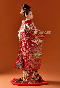 Iro Uchikake, colorful outer wedding kimono.  It is worn over the bride's furisode and is not tied with an obi.