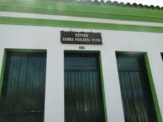 Fachada do espaço do Samba Paulista em Pirapora. Normalmente funciona aos sábados e domingos, porém no dia em que estava na cidade, o espaço havia sido fechado devido ao Rodeio de Pirapora. Aos finais de semana a cidade recebe muitos turistas.