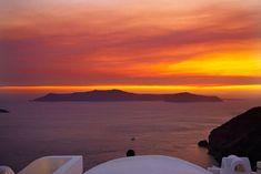 15 φωτογραφίες που αποδεικνύουν ότι το ωραιότερο ηλιοβασίλεμα θα το δείτε στην Οία!