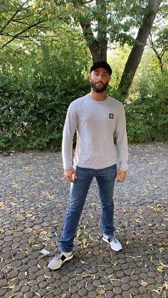 Nimo Rapper, Bae, German, Iphone, Wallpaper, Outfits, Wallpaper Backgrounds, Deutsch, Suits