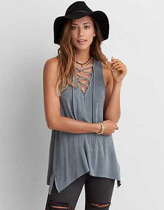 Keep your look feeling relaxed and free-spirited with a tank MADE for your jeggings.