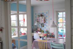 love the little corner desk - Mor til MERNEE