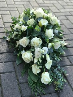 Large single ended spray classic white & green Funeral Floral Arrangements, White Flower Arrangements, Posy Flower, White Spray Roses, Funeral Sprays, Casket Sprays, Memorial Flowers, Cemetery Flowers, Buddhists