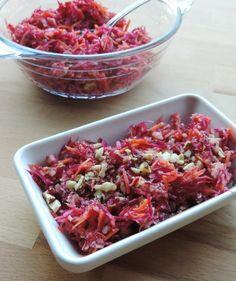 Rauwkost slaatje met rode biet, wortel, appel en notenvinaigrette