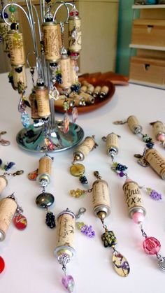 Wine Cork Project Done Decorative Wine Cork Ornaments created by Renee Webb Allen Wine Craft, Wine Cork Crafts, Wine Bottle Crafts, Bottle Art, Wine Cork Jewelry, Wine Cork Art, Wine Cork Projects, Craft Projects, Diy Cork