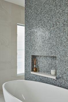 Caesarstone Quartz Colours for Kitchens & Bathrooms Kitchen Colors, Kitchen Design, Modern Bathroom Decor, Bathroom Ideas, Engineered Stone, Interior Decorating, Interior Design, Bathroom Floor Tiles, Calacatta