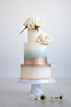 ombre wedding cakes white with gold and sky blue with white flowers maru photography #goldweddingcakes