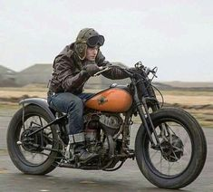 Pure motorcycling... #ride #bike #oldschool #riding #riders #motorcycles #motorcycling