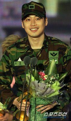 Kim-Jae-Won-04.jpg (JPEG Image, 495×846 pixels)