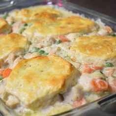 Mom's Fabulous Chicken Pot Pie with Biscuit Crust Biscuit Chicken Pot Pie, Easy Chicken Pot Pie, Chicken And Biscuits, How To Cook Chicken, Chicken Stuffing, Biscuit Recipe, Turkey Pot Pie Recipe With Biscuits, Chicken Pot Pie Recipe Allrecipes, Chicken And Bisquit Recipe