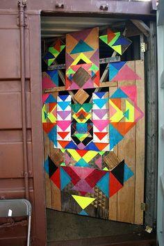 street art colours by Maya Hayuk - a doornment! Maya Hayuk, Arte Pop, Barn Quilts, Street Art Graffiti, Painted Doors, Land Art, Public Art, Urban Art, Triangles