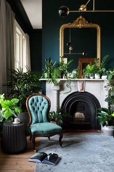 In sensitively respecting the distinct Victorian character of the house, the interior elements were refined and a new 'pair' of rooms were revealed, both unique and complementary. Winner: House & Garden Top 50 Rooms - Best Use of Colour Victorian Living Room, Victorian Interiors, Dark Interiors, Modern Victorian Bedroom, Modern Baroque, Modern Interior Design, Interior Architecture, Interior Design Inspiration, Decoration Baroque
