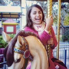 #Lali #LaliEsposito #MarianaEsposito #Floricienta #Robertita #Roberta I Love Series, Famous Men, Youtube, To My Daughter, Princess Zelda, Wonder Woman, Singer, Actresses, Superhero