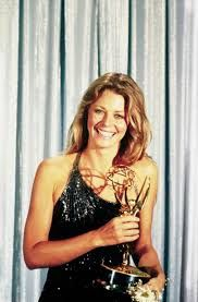 Lindsay Wagner won the Emmy for Outstanding Lead Actress in a Drama Series in Her win has been directly attributed to her performance in the Deadly Ringer (Season Episode 15 - February Linda Carter, Bionic Woman, Classic Actresses, The Most Beautiful Girl, Beautiful Women, Timeless Beauty, Beautiful Celebrities, My Idol, Wonder Woman