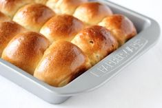 For Easter I made the sour cream yeast rolls. My family doesn't really celebrate Easter in the traditional way, but since it is such a big holiday in the US, we had our own little Easter brunch celebration. I previously made cute little bunnies out of these rolls but now I wanted to make them …