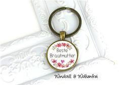 Ein toller handgemachter, bronzefarbener Schlüsselanhänger  mit einem wunderschönen Blumen-Motiv und der Aufschrift Beste Brautmutter - Ein schönes, besonderes und persönliches Geschenk für deine...